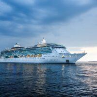 cruise-ship-3484854_1920.jpg